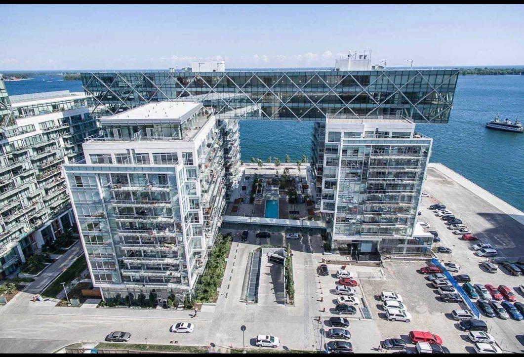 多伦多市中心湖边两室公寓 – 29 Queens Quay E